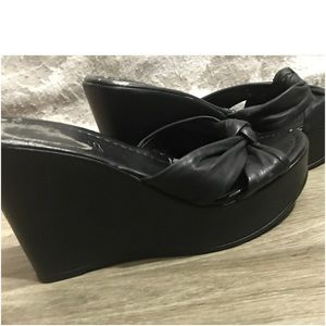 Cathy Jean Shoes - Cathy Jean Twist-Front Wedges